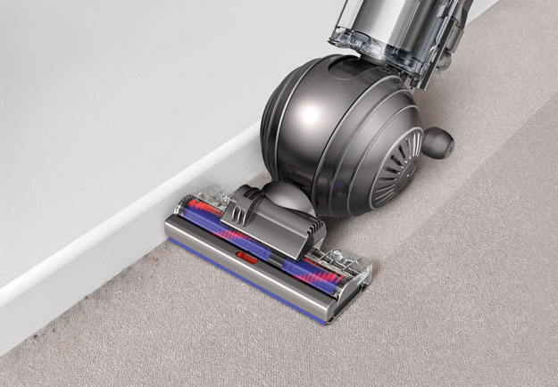 Dyson-Cinetic-Edge-cleaning