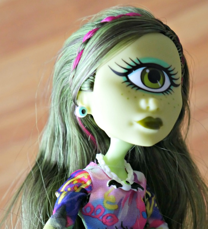 Monster High Iris Clop Review