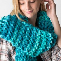 Learn How to Knit a Scarf it 15 Minutes & Zippy Loom Giveaway : (Ends 5/5)